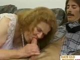 Geile Granny will ficken