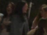 Amateurgirls fisten sich auf der Party